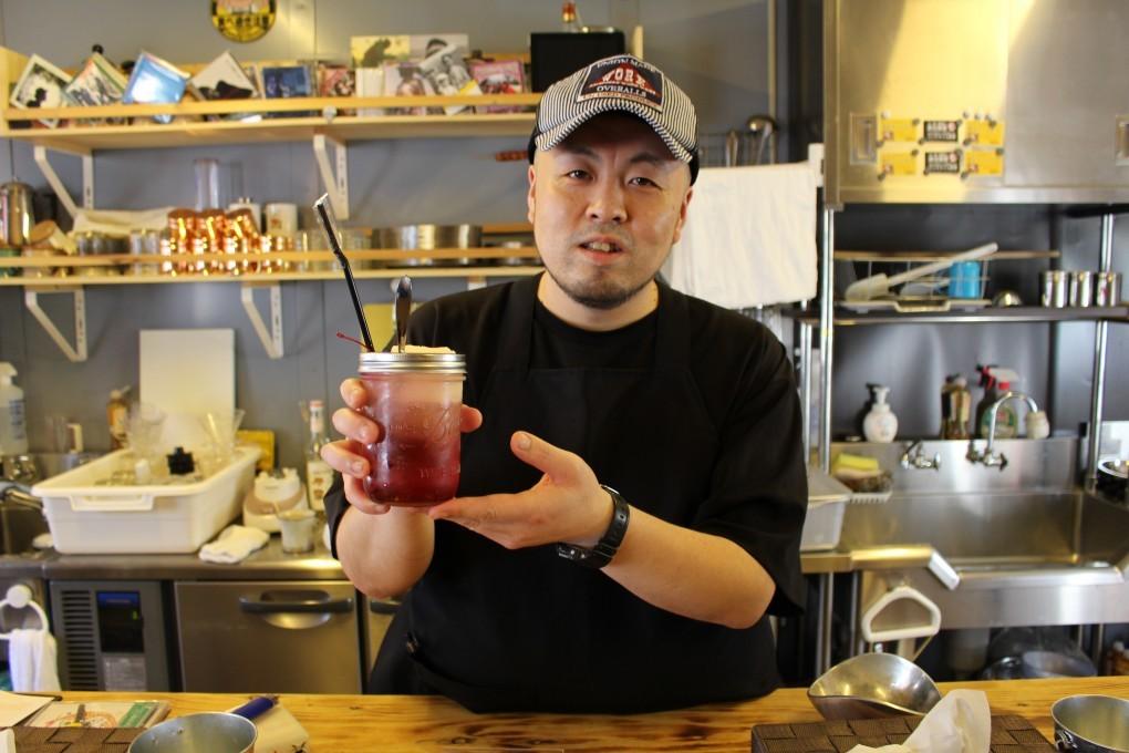 商店街の隠れた名店【月と昴】暑い日は、赤いクリームソーダだろ!!の巻。