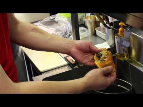 動画はお久しぶりです!!今が旬!!南三陸の美味しいホヤの剥き方を動画で…の巻。