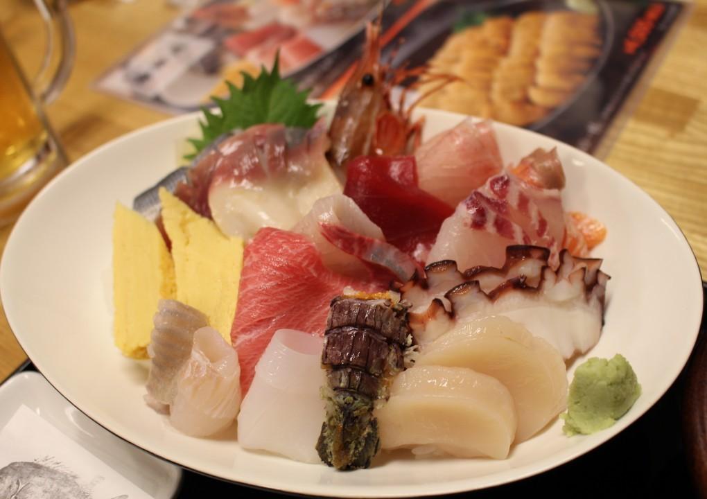 キラキラうに丼だけじゃない!!海の宝石箱!!弁慶鮨・海神丼(ポセイどん)!!