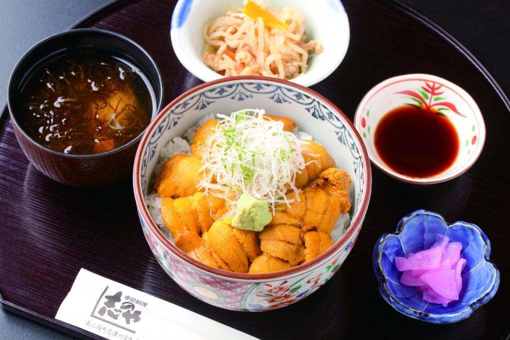 今週のイチ丼「季節料理 志のや」のキラキラうに丼!