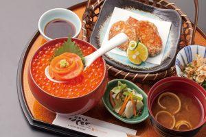 今週のイチ丼「創菜旬魚 はしもと」のキラキラいくら丼!