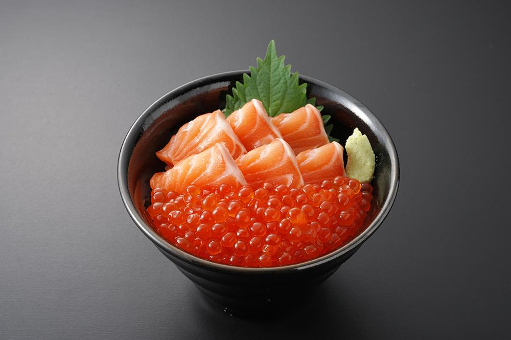 【弁慶鮨】子どもにも大人気の親子丼です¥2,000