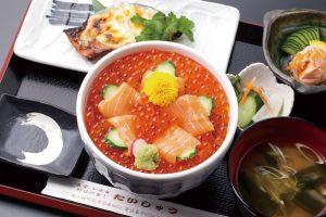 今週のイチ丼「寿司・御食事処 たいしゅう」のキラキラいくら丼!