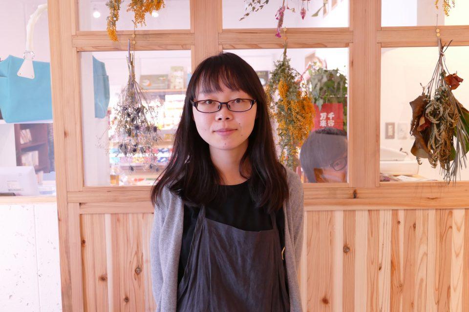 さんさん商店街の雑貨&新聞が読めるカフェ『NEWS STAND SATAKE』!