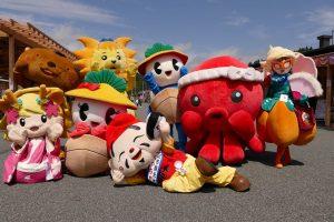 ご当地キャラクターがたくさんやってきた!今日の商店街イベントの様子!