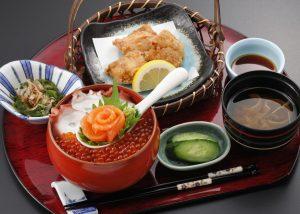 今週のイチ丼!ミシュランガイド宮城掲載店「創菜旬魚 はしもと」のキラキラいくら丼!