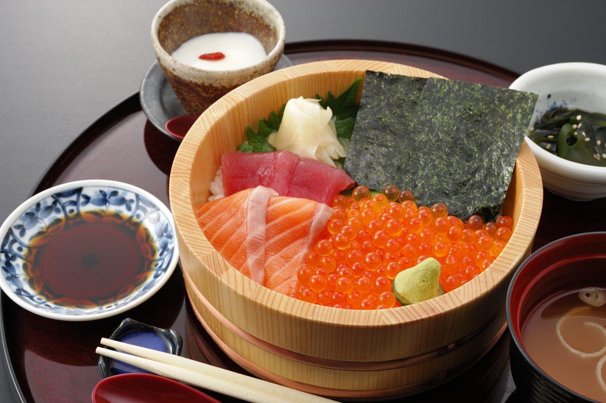 今週のイチ丼!「かいせんどころ 梁」のキラキラいくら丼!