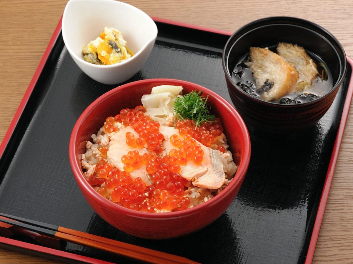 今週のイチ丼!「弁慶鮨」のキラキラ秋旨丼!