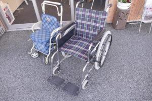 インフォメーションセンターにて『車椅子・シルバーカー』の無料貸出を行っております!お気軽にお声がけください!