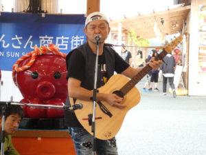 ダウンタウンの松本人志さんのお兄さん『松本 隆博』ギター弾き語り&『倉井克幸』シャンソン弾き語りライブの様子!