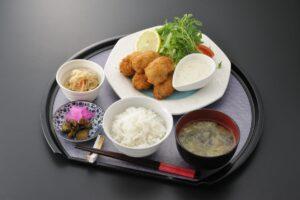 """食楽 しお彩の""""ほっこりこたつフェア""""メニュー『カキフライ御膳』!"""