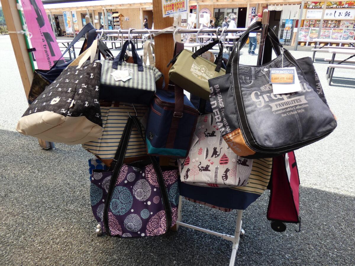 『デイリー衣料 アベロク』にておしゃれな保冷バッグを販売中!これからの季節の必需品!